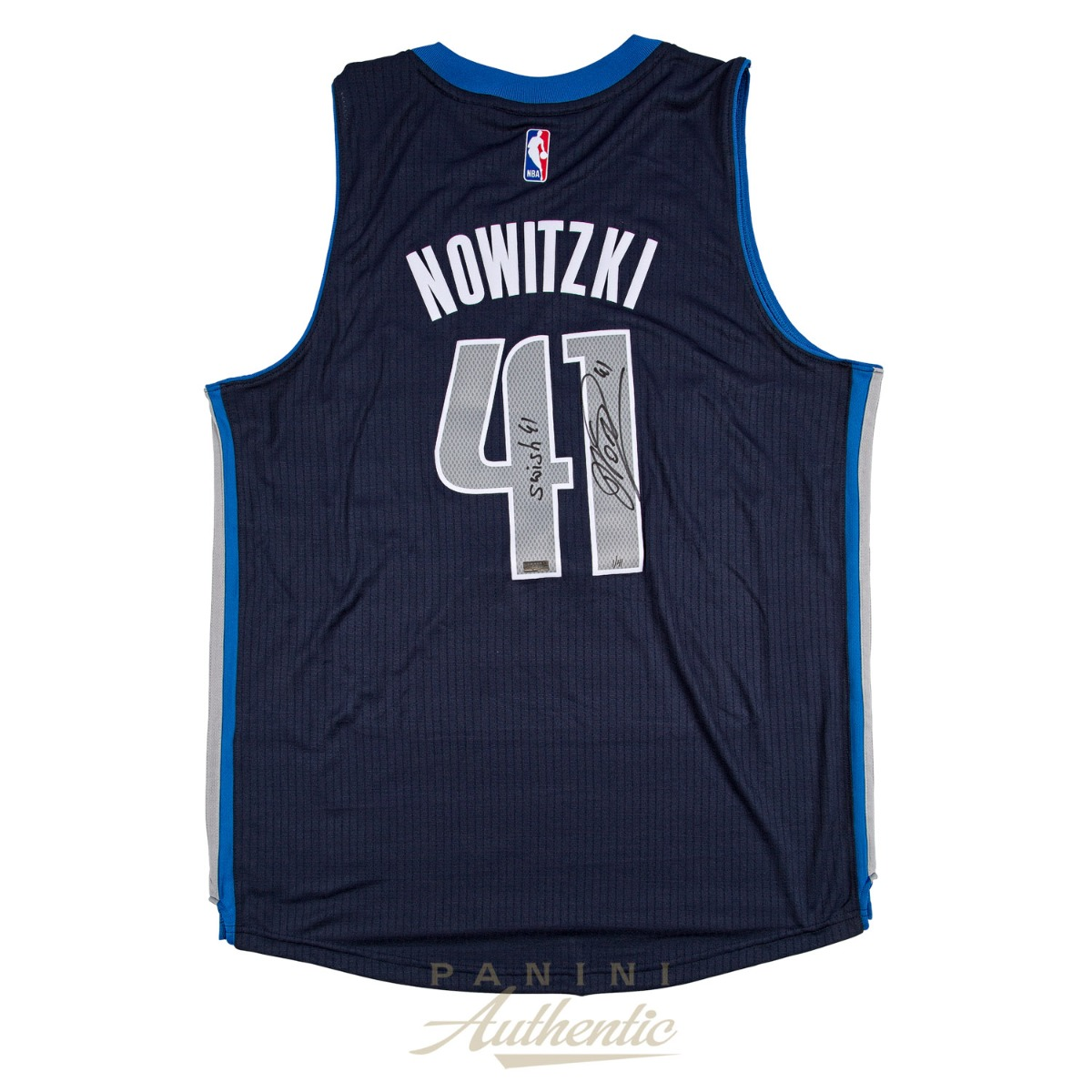 brand new 98647 2e637 Dirk Nowitzki Autographed Navy Blue Dallas Mavericks ...